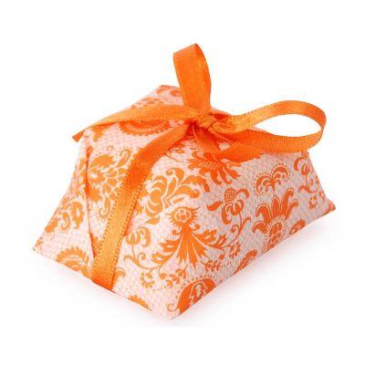 A receita exclusiva do Atelier Doce em lindas embalagens que você vai amar! Os delicados bem-casados para comemorar a felicidade da família e o sucess...