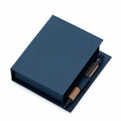 - Bloco de anotações ecológico com caneta e autoadesivo. Bloco em material kraft, possui cinco blocos autoadesivos coloridos com aproximadamente 20 folh...