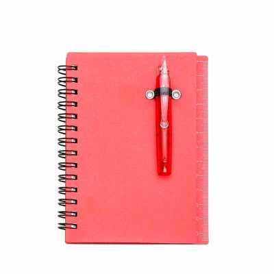 Bloco de anotações plástico com autoadesivos, mini caneta e régua de 12cm na lateral. Possui espi...
