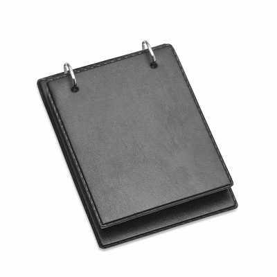 Bloco de anotação de mesa com trilho de ferro, material couro sintético. Possui aproximadamente 1...