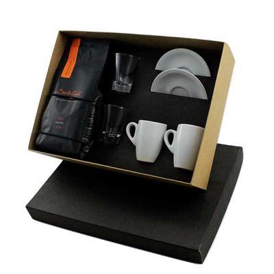 Kit Café em caixa de papel duplex com 2 xícaras de porcelana com pires com sache de café solúvel ...
