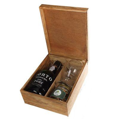 Design Promo - Kit vinho em caixa de madeira envelhecida