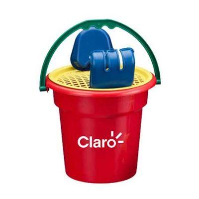 - Um mini balde com uma escavadeira, uma pá, uma peneira e uma estrelinha para a criançada brincar e se divertir na areia da praia ou no parque.  Especi...