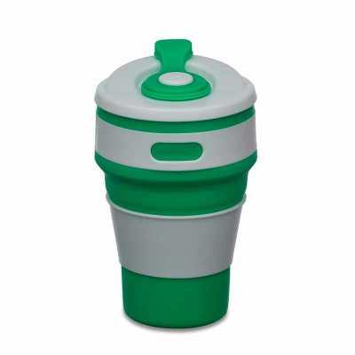 """- Copo retrátil 350ml de silicone, livre de BPA. Tampa plástica de encaixe com abertura para o bocal, acompanha """"luva"""" plástica branca, evitando queimar..."""