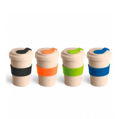 Copo para viagem. Fibra de bambu e PP. Com banda de silicone e tampa. Capacidade até 500 ml. Food grade. ø95 x 140 mm - Splash7 Brindes
