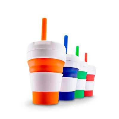 """splash7-brindes - Copo retrátil 355ml de silicone com canudo. Tampa plástica rosqueável com lacre de vedação para área do canudo, acompanha """"luva"""" plástica branca, evit..."""