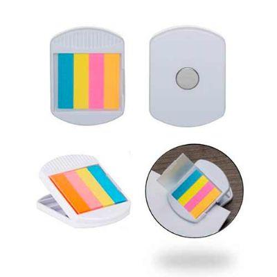 Galeria de Ideias - Porta lembretes com imã e Sticky notes coloridos. Peça na cor branca. Gravação: silk.