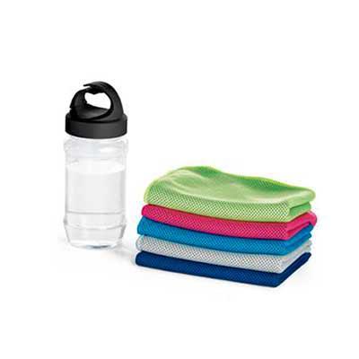 Galeria de Ideias - Squeeze plástico com toalha para esporte