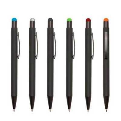 Galeria de Ideias - Caneta de metal com ponteira touch colorida. Peça preto fosco com touch nas cores verde, azul, laranja, prata, preto ou vermelho.  Medidas:14mm x 142m...