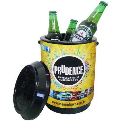- Cooler capacidade 10 latinhas 350 ml. Térmico com isolação interna