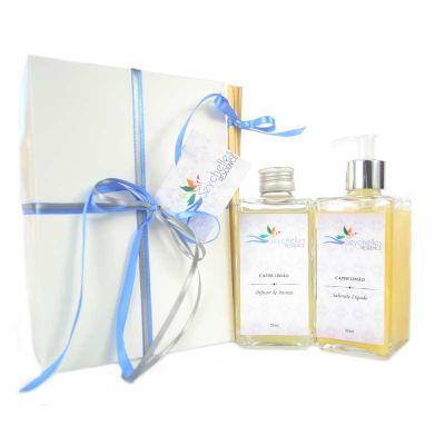 Perfume no Ar - Descrição do Kit: - 1 Difusor para Ambientes 250 ml, frasco de vidro, acompanha 5 varetas - 1 Sabonete Líquido Hidratante confeccionado com Extrato Ve...