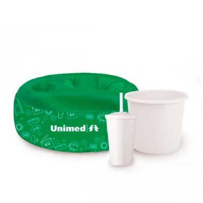 Almofada de pipoca infantil, personalizada. Acompanhada com um balde e um copo com tampa e canudo...