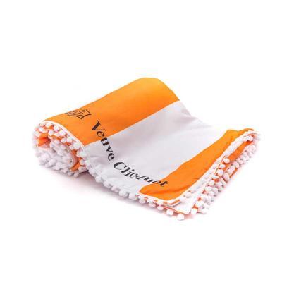 Canga toalha personalizada, com detalhe em pompom. De um lado sua estampa, do outro toalha! Dimen...