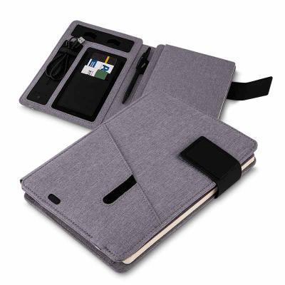 3zero-brindes - Caderno de anotações com powerbank 4.000 mAh, bateria de Lítio, capa PU - poliuretano e poliester, interior com porta documentos, cartões e caneta, 64...