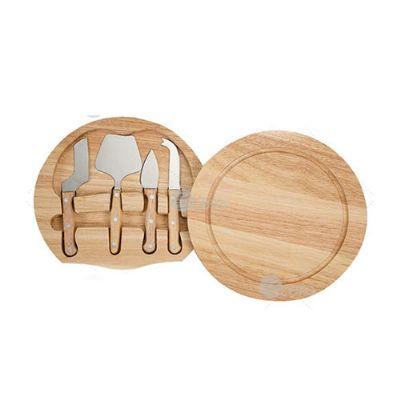 Kit queijo 5 peças com tábua de madeira, possui detalhe circular em relevo na parte superior e pa...