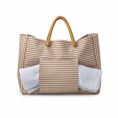 wersatil - Bolsa-praia Material sintético  Modelo com bolso para toalha de praia  Alças em corda  Impressão silk  baixo relevo ou etiqueta lateral
