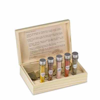 wersatil - Kit tempero em madeira pinus para 5 tubos ou três tubos Os tubos são articulados  Tamanho da caixa: 27 x 17 cm  Impressão silk ou laser