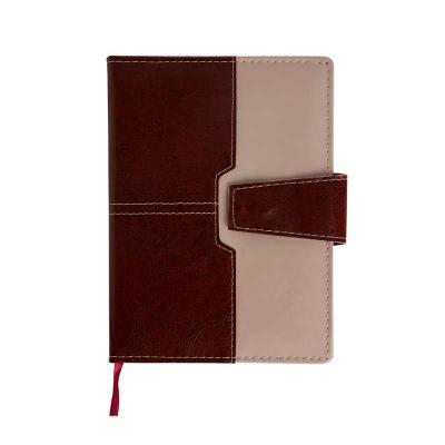 - Agenda diária 2019 de couro sintético com fecho de imã e suporte para caneta. Contém fita de cetim marca página, dados pessoais, calendário de 2018 à...