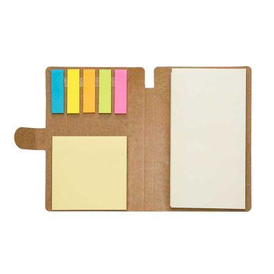 inmark-brindes - Bloco de anotações ecológico, material em kraft. Possui uma trava na própria capa, caneta de papelão com acabamentos em plástico acionada por clique,...