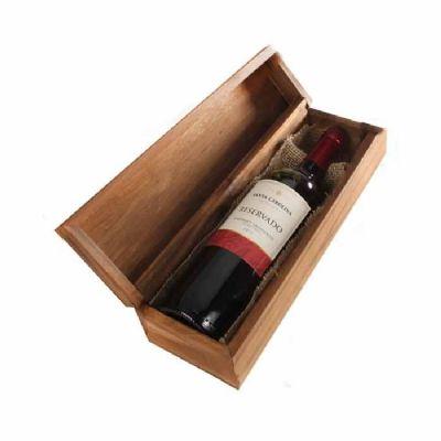 Eco Design - Kit em caixa de madeira envelhecida com 1 garrafa do vinho Chileno Santa Carolina Reservado de 750ml com gravação na tampa da caixa.