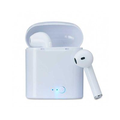 - Fone bluetooth plástico com case carregador. Fones com microfone embutido; Frequência 2.4 -2.485GHz; Alcance 10 à 15 metros e tempo de funcionamento a...