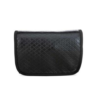 Smart Promocional - Fechamento com botão imã, bolso interno em tela e cristal com fechamento em zíper, acabamento externo em gorgurão, gancho para cabideira e acabamento...