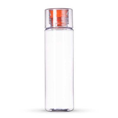 Fabricado em Tritan/ BPA free, transparente, detalhe de silicone laranja. Com capacidade para 500ml, o TRITAN é um material a base de copoliéster, sen... - Smart Promocional