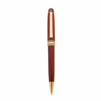 blimp-brindes - Caneta de madeira com detalhes dourados. Possui clip e anel dourado em metal e anel central com detalhes preto. Aciona por giro.