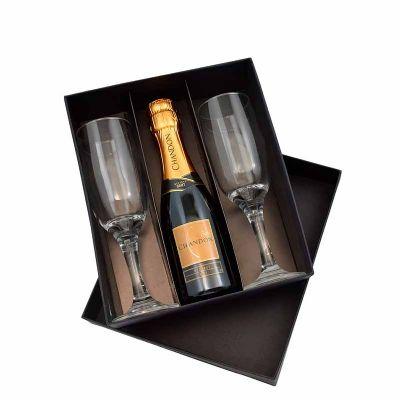 pesquisa-brindes - Kit com Chandon e 2 taças em vidro