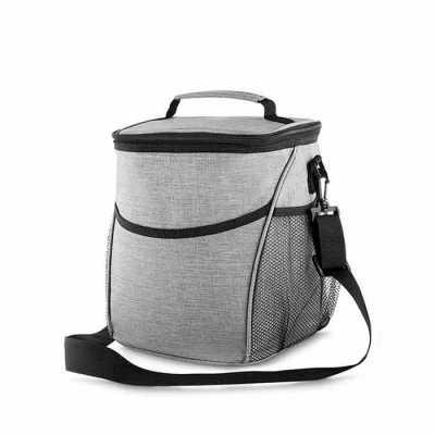 box-brindes - Bolsa térmica, capacidade 12 litros, tecido nylon poliéster (cinza), bolso frontal, dois bolsos laterais, alça de ombro ajustável, alça de mão, parte...