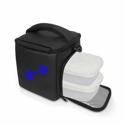 Lancheira Térmica Fitness // Mini Lunch Preta >> O que o produto oferece?  Rede interna para carregar recipientes com líquidos ou talheres; nessa rede... - Projeto Promocional