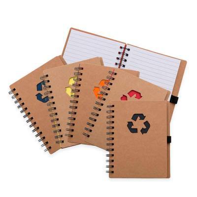 SOMA Brindes - Bloco de anotação ecológico com símbolo reciclado na capa, acompanha com as folhas: vermelha, amarela, laranja, azul, verde e preto, possibilitando de...