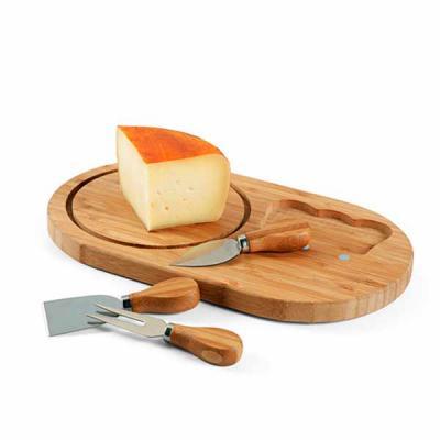 qi-brindes - Tábua de queijos. Bambu. Com 3 talheres. Incluso caixa de cartão. Food grade. 330 x 195 x 16 mm | Caixa: 335 x 205 x 30 mm