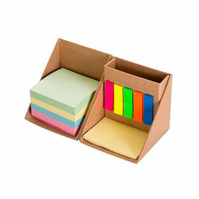 qi-brindes - Bloco de anotações com sticky notes formato cubo, abre e fecha em diagonal. Possui 5 blocos auto-colantes com aproximadamente 26 folhas cada, bloco am...