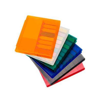 Bloco de anotações plástico inteiro colorido com sticky notes. Possui 8 mini blocos auto-colantes...