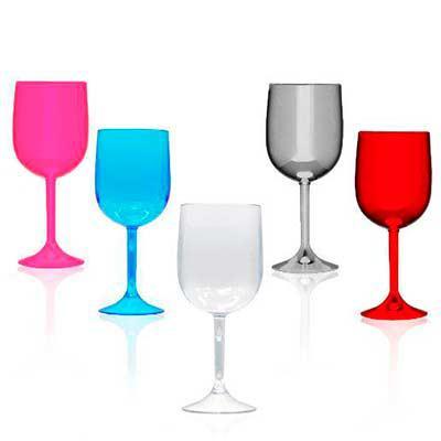 Taça de vinho acrílica, capacidade 570 ml Altura 17,8cm Diâmetro 7cm