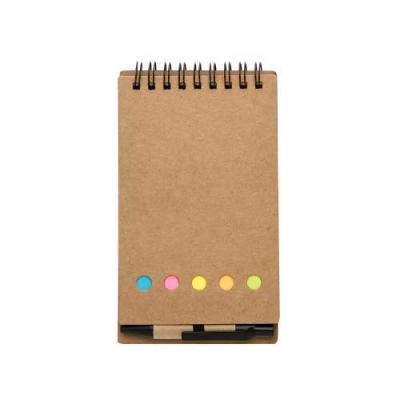 Bloco de anotações ecológico com espiral, material em kraft. Possui uma mini caneta de papelão com acabamentos plásticos acionada por clique, cinco bl... - Tiff Gráfica