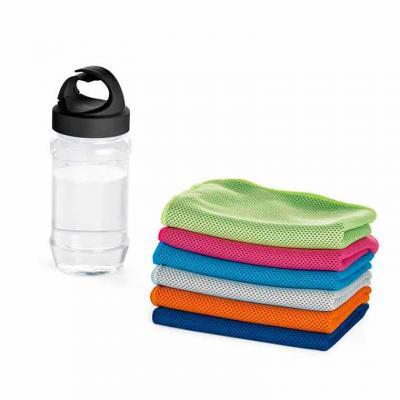 Squeeze plástico com toalha para esporte