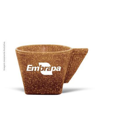 maiz-brindes - Xicara de Café 50ml • Capacidade de 50 ml • Material composto de fibra de coco ou madeira • Cores: Coco ou Madeira  Frete Grátis Rodoviário (Nordeste...