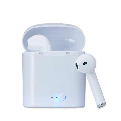 renova-brindes - O Fone Bluetooth com Case Carregador da Renova Brindes, é um brinde perfeito para a divulgação da sua marca. Fidelize seu cliente divulgando sua marca...