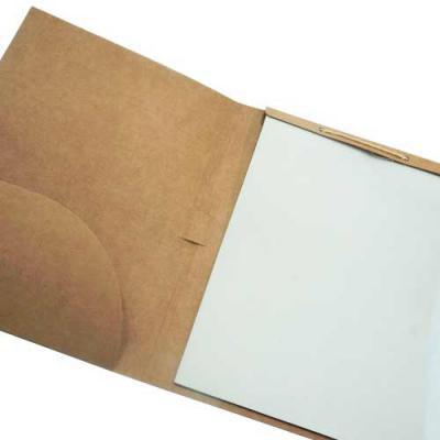 Zoom Brinde - Pasta convenção ecológica personalizada, modelo kraft. Frente e verso da capa lisos, possui bolso interno, suporte para caneta(não acompanha), aproxim...