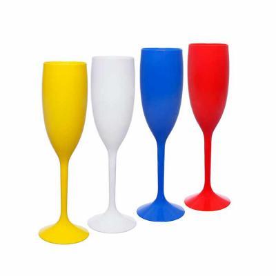 É uma excelente opção de Taça para servir Champanhe. Fabricado com material em alto brilho é ideal para personalizar e evidenciar sua marca.  Caracter... - Plasmold