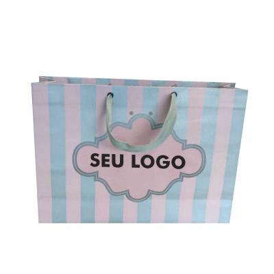 - Sacola de Papel Personalizada , papel offset 180gr, até 4 cores de impressão, diversos tamanhos. Coloque sua arte seu logotipo em nossas sacolas e emb...