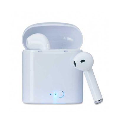 q-mais-produtos-promocionais - Fone bluetooth plástico com case carregador. Para utilização do produto, pressione e segure o botão lateral de algum dos fones para ligá-lo e em segui...