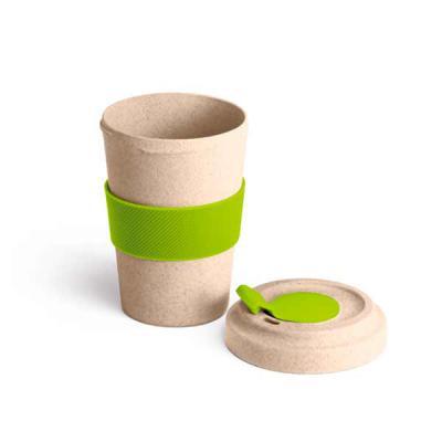 Copo para viagem.  Fibra de bambu e PP.  Com banda de silicone e tampa.  Capacidade até 500 ml. Food grade. Tamanho ø95 x 140 mm - Qmais Promo