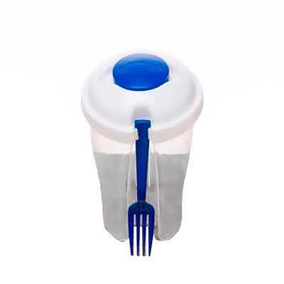 Copo de salada 850ml com garfo e compartimento para molho. Copo plástico transparente com três detalhes ovais na lateral e tampa branca, no centro da... - Mathias Promocionais