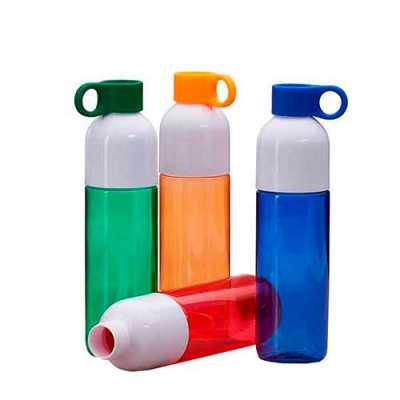 Squeeze plástico 700ml com tampa de suporte anelar. Squeeze colorido, possui tampa rosqueável na cor branca; devido sua largura facilita a higienizaçã... - Mathias Promocionais