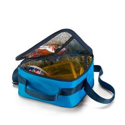 mathias-promocionais - Bolsa térmica. Alça ajustável.  Peças nas cores vermelha, branca ou azul claro. Medidas: 190 mm x 190 mm x 110 mm. Gravação: silk.