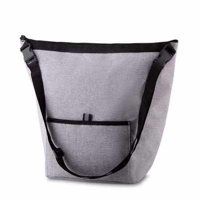 Bolsa Térmica. Capacidade 10 litros Bolso frontal. Alça de ombro regulável. Tecido nylon e e poliéster. Gravação no bolso frontal. Dimensão do Produto... - Labor Brindes
