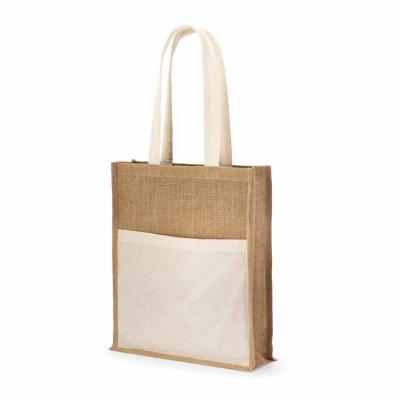 Sacola. Juta: 240 g/m². Bolso frontal 100% algodão: 140 g/m². Alças de 65 cm. 370 x 410 x 100 mm ...